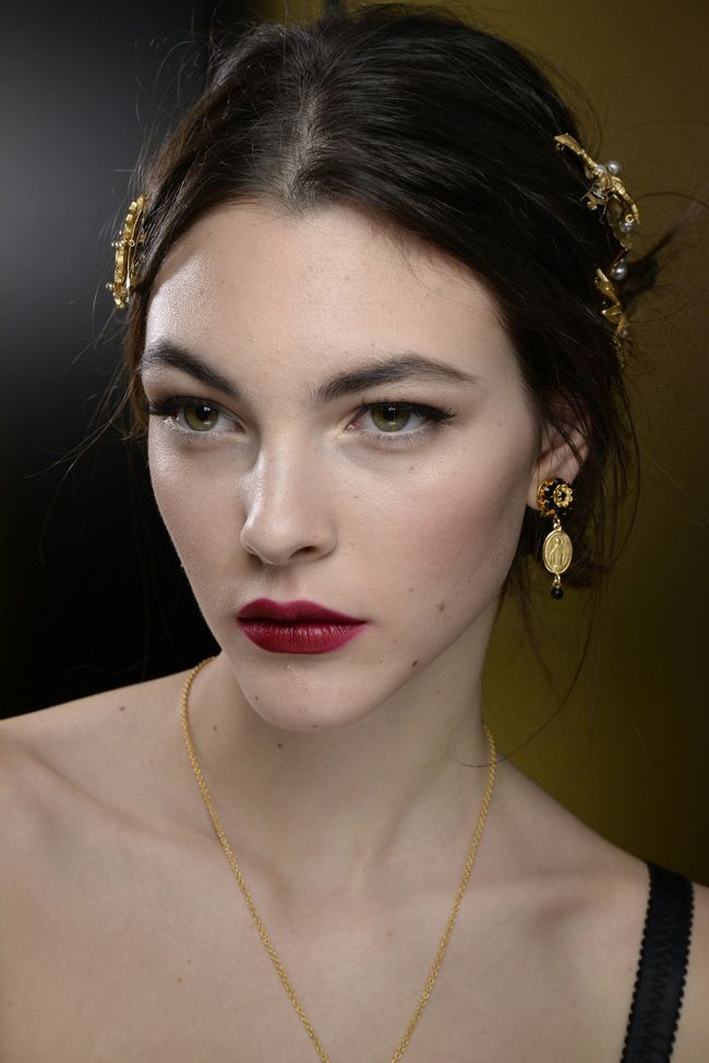 Dolce   Gabbana  dglovesfall Makeup Collection for Fall 2015  c4b0ac6108b