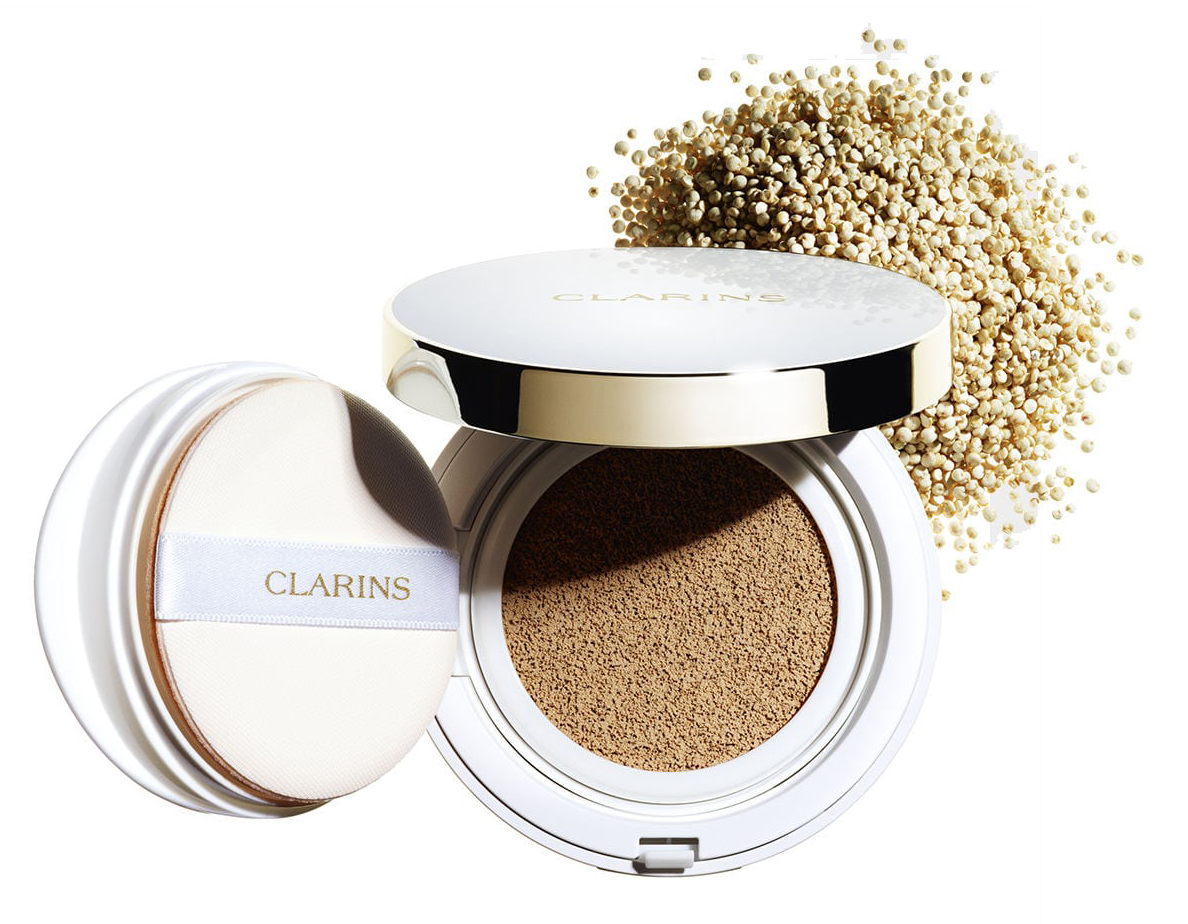 Clarins Everlasting Cushion Foundation SPF 50  (2)