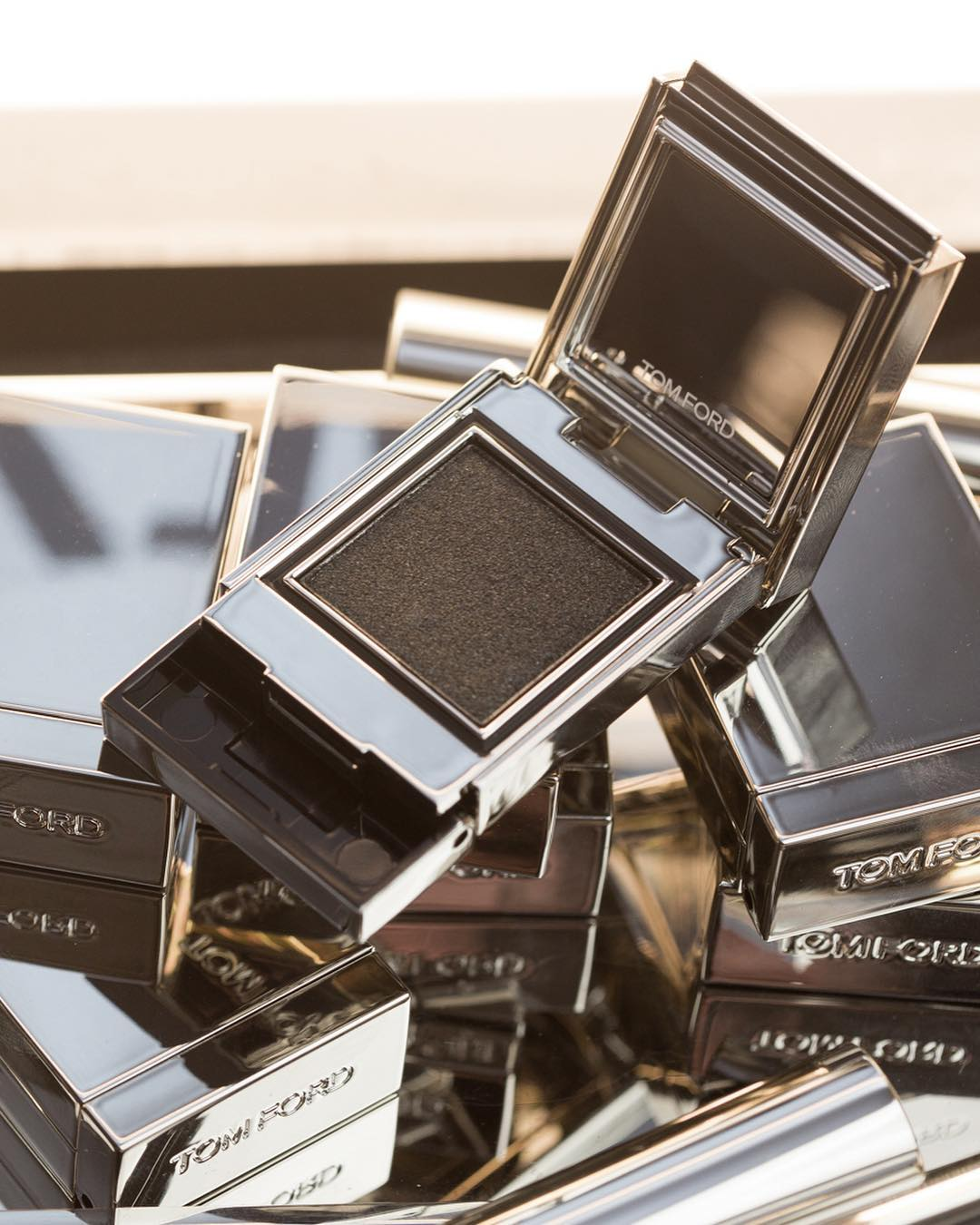 tom ford to launch extr me collection news beautyalmanac. Black Bedroom Furniture Sets. Home Design Ideas