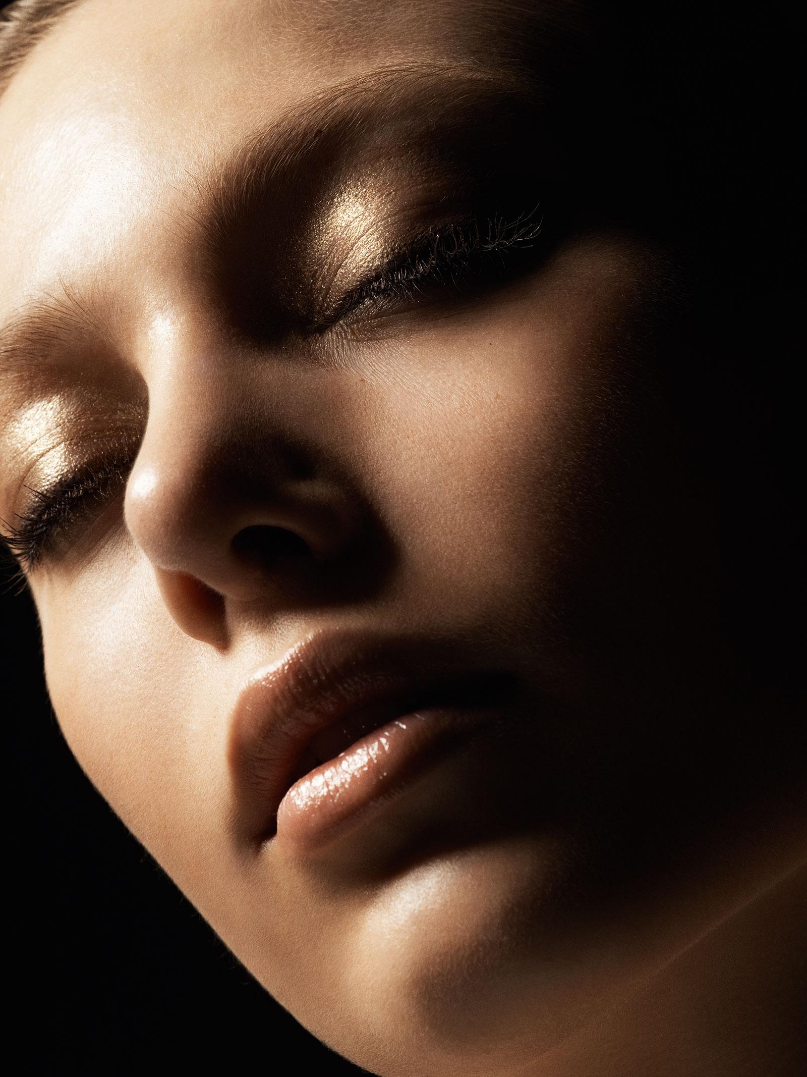 Victoria Beckham x Estee Lauder LA Look (1)