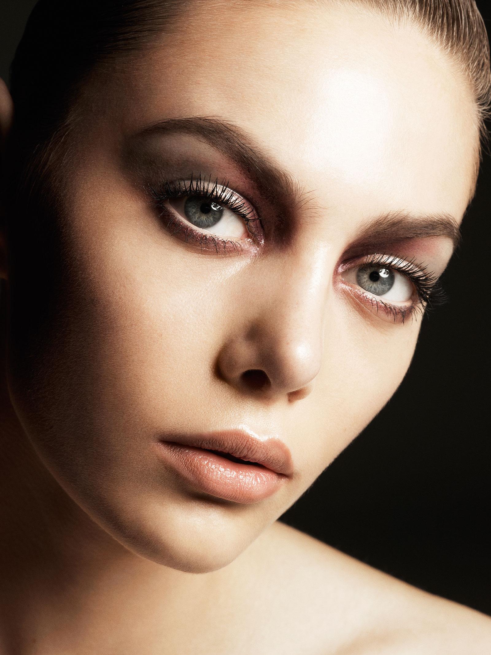 Victoria Beckham x Estee Lauder London Look (2)