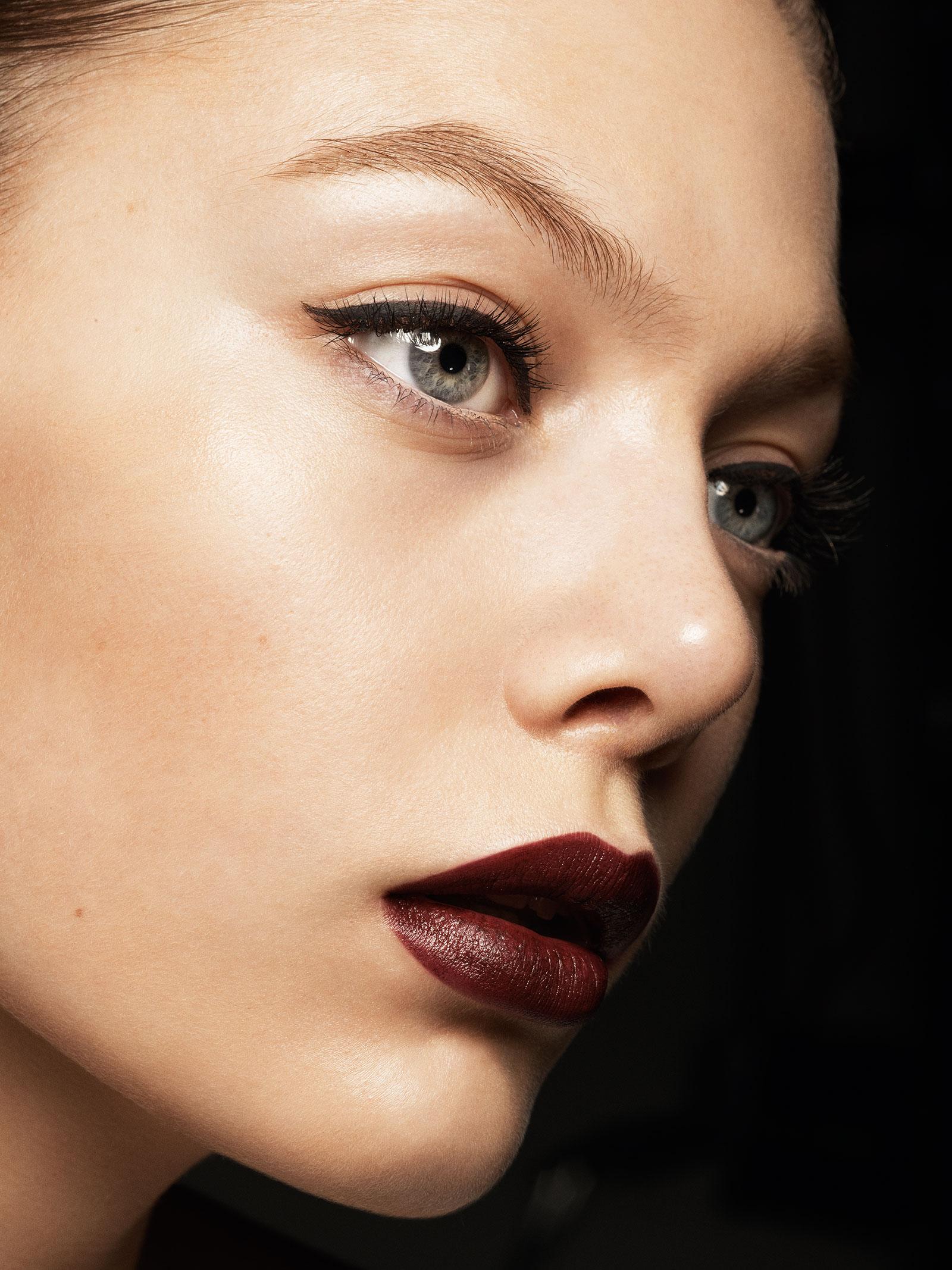 Victoria Beckham x Estee lauder Paris look (2)